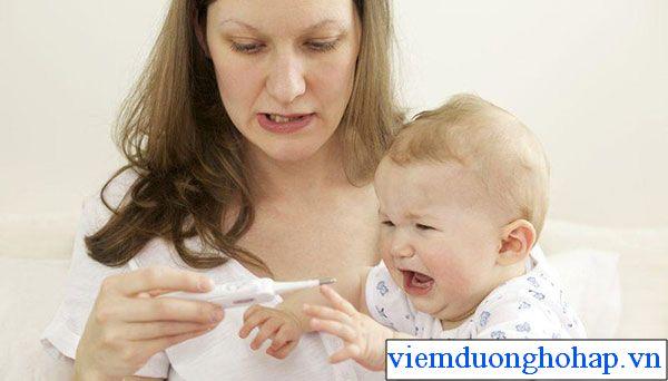 Dấu hiệu viêm họng hạt ở trẻ nhỏ